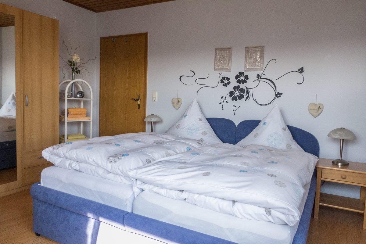 ferienwohnung-fulda-schlafzimmer-1