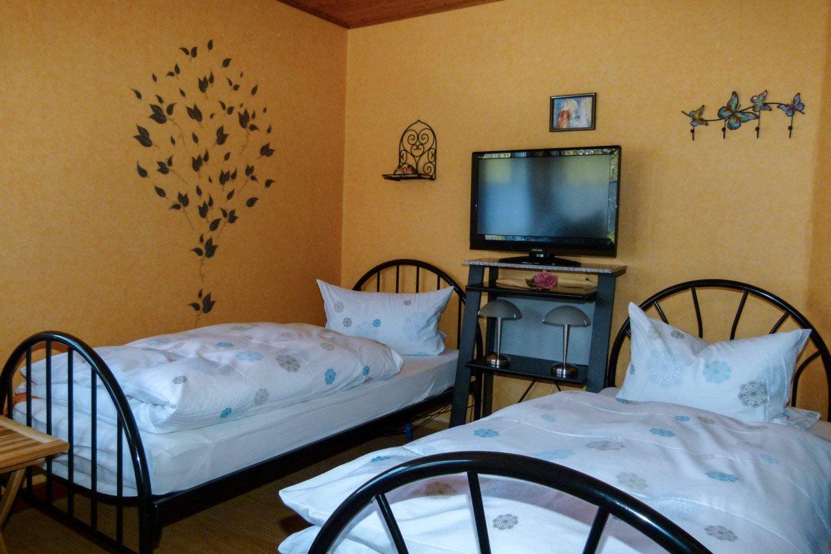 ferienwohnung-fulda-schlafzimmer-3